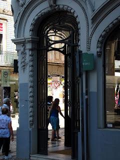 Compras na Rua de Santa Catarina, Porto, Portugal photo foto por Joao Pires