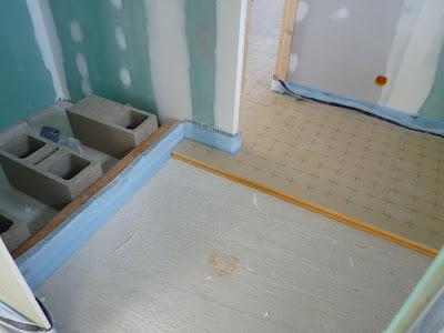 en direct du lanot pose de l 39 isolant du plancher chauffant. Black Bedroom Furniture Sets. Home Design Ideas