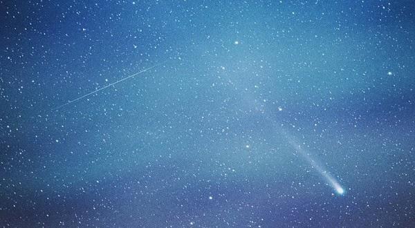 Hujan Meteor Bakal Hiasi Langit Malam Tahun ini