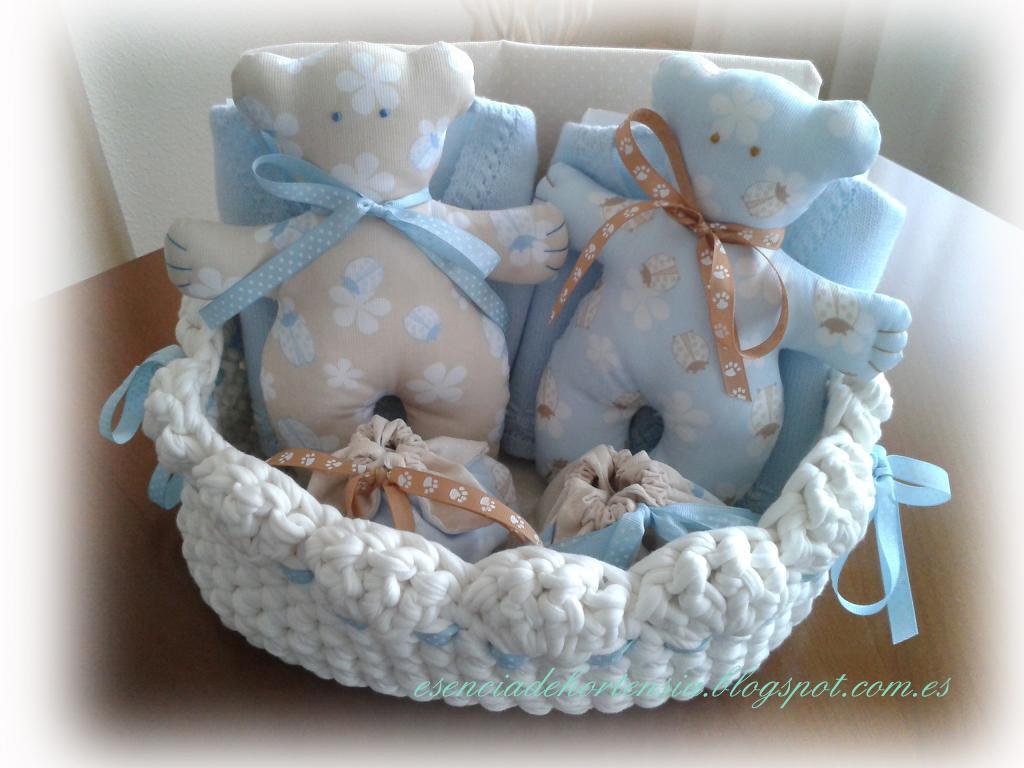Esencia de hortensia canastilla para beb s con cestita de - Manualidades hechas con trapillo ...