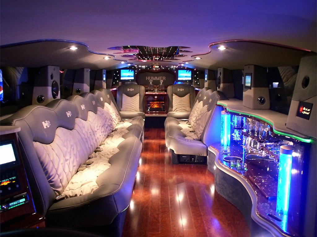 Hummer limousine interior images 2 world of cars for Interieur hummer