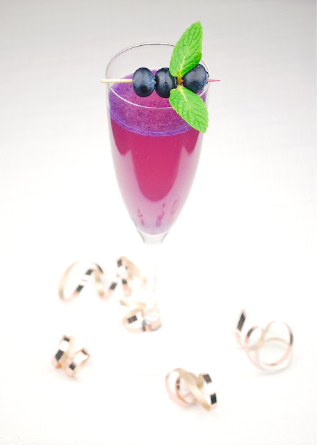 Blueberry Pineapple Champagne sparkler