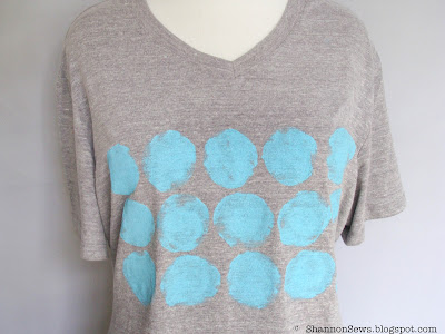 crafty t-shirt refashion with hand painted dots