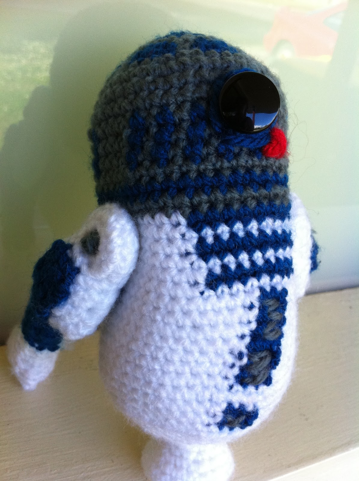 Lets All Get Knitfaced R2d2