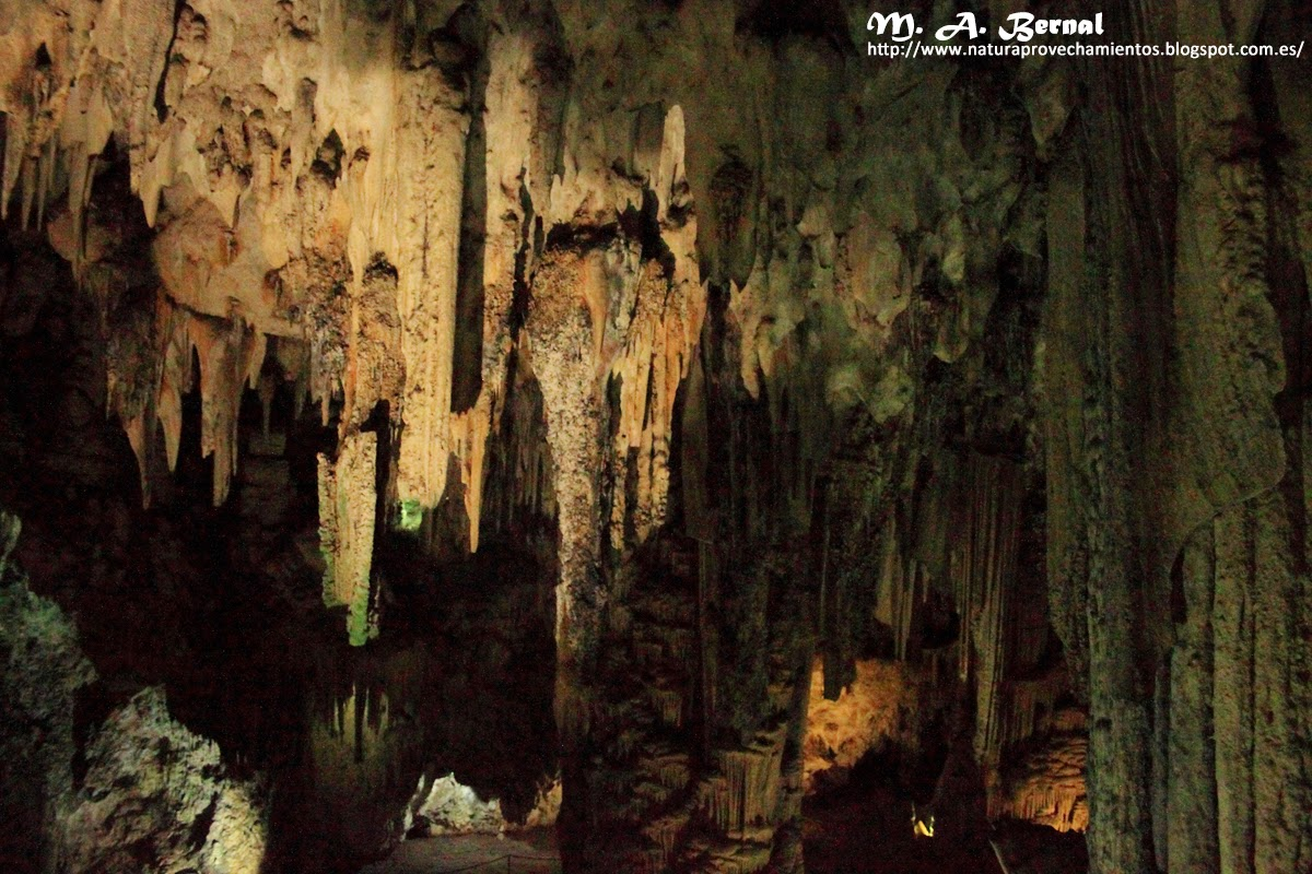 las cuevas jewish personals Spanish stories: lunch at las cuevas situated in an ancient subterranesan cave dwelling dating back to the 1500s, the building is an attraction itself.