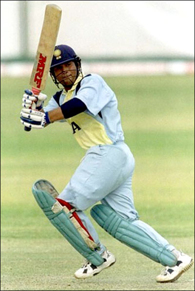 38 special facts about sachin tendulkar Sachin tendulkar - 50 interesting facts about legend little master  1 sachin tendulkar started off with centuries in his debut matches in the ranji,  38 in 1998.