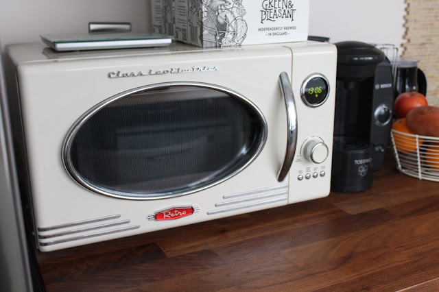 cream retro microwave oven from Wilko