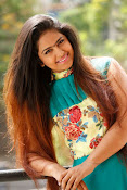 Avika Gor New Cute Stills-thumbnail-18