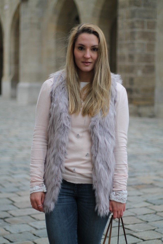 Casual Chic - Orsay - Louis Vuitton - Sporty Chic - Austrian Fashionblogger - Viennesse Fashionblogger - Fake Fur Vest -