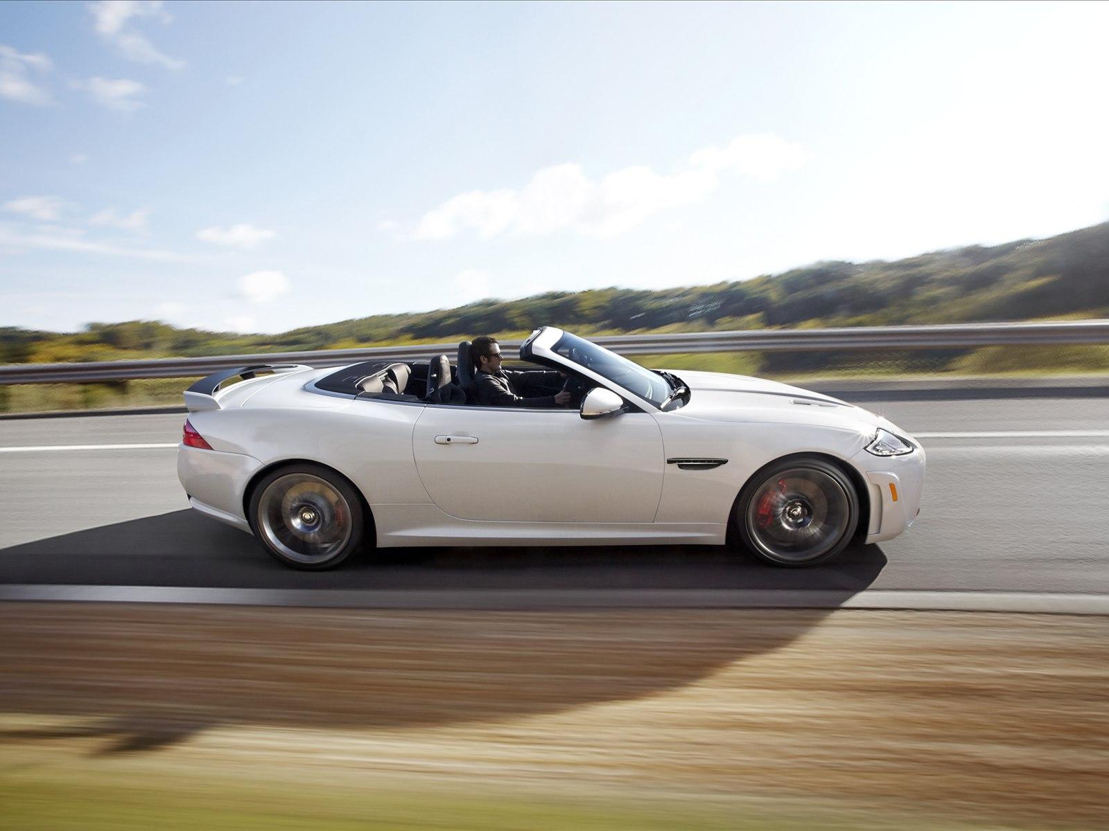 http://2.bp.blogspot.com/-sA5_u2SodLs/T_5nbmqVpQI/AAAAAAAAErM/lNwgHOBwObE/s1600/Jaguar+XKR-S+Convertible+2012_5.jpg