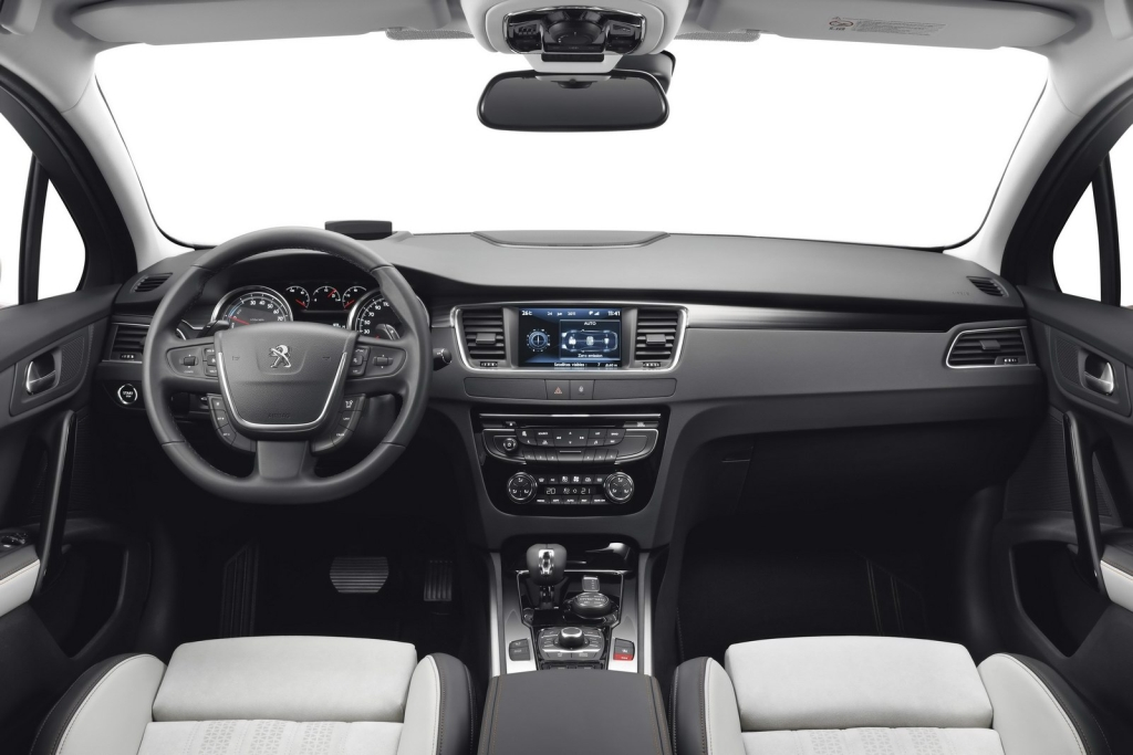 cockpit autom vel conte dos auto ensaio peugeot 508 rxh hybrid4 sw. Black Bedroom Furniture Sets. Home Design Ideas