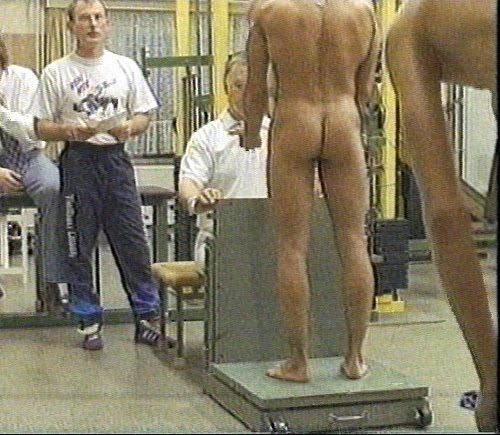 classic naked weigh-in