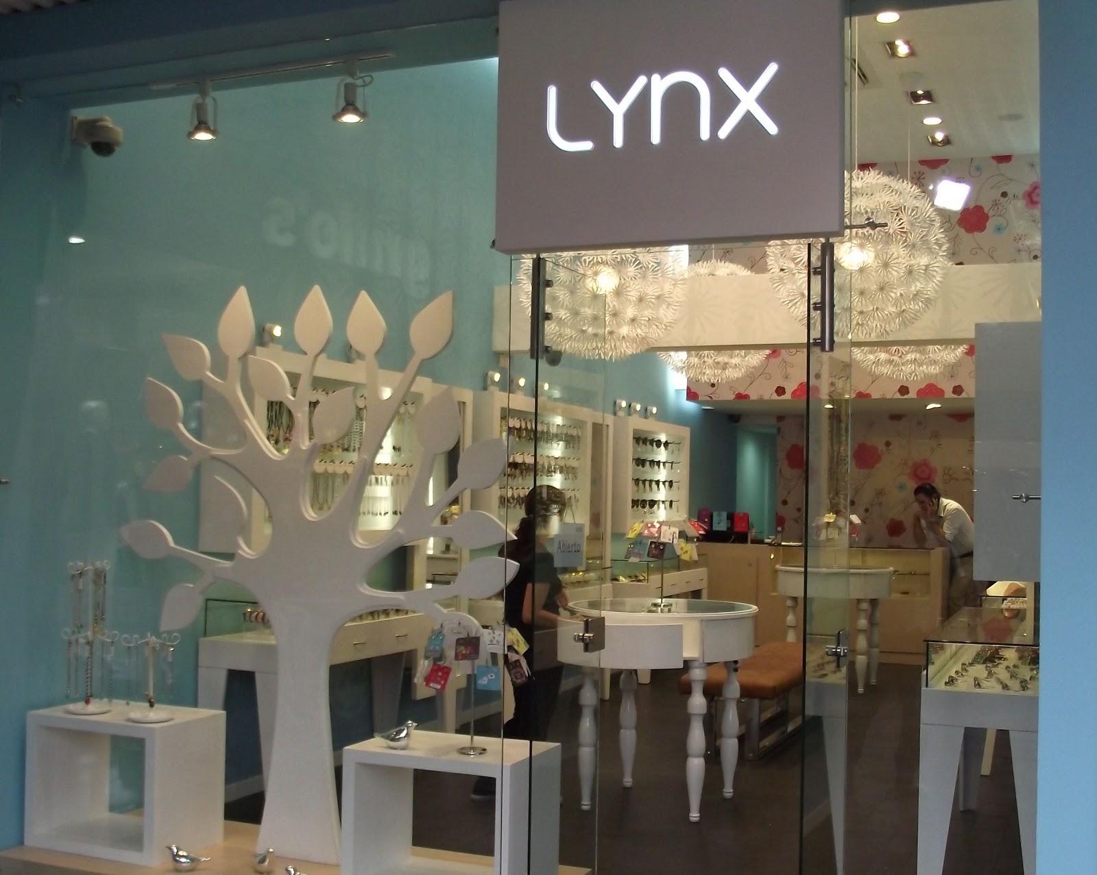 MUEBLES PARA LOCALES COMERCIALES: LYNX (C.C. Unicentro- Cali)