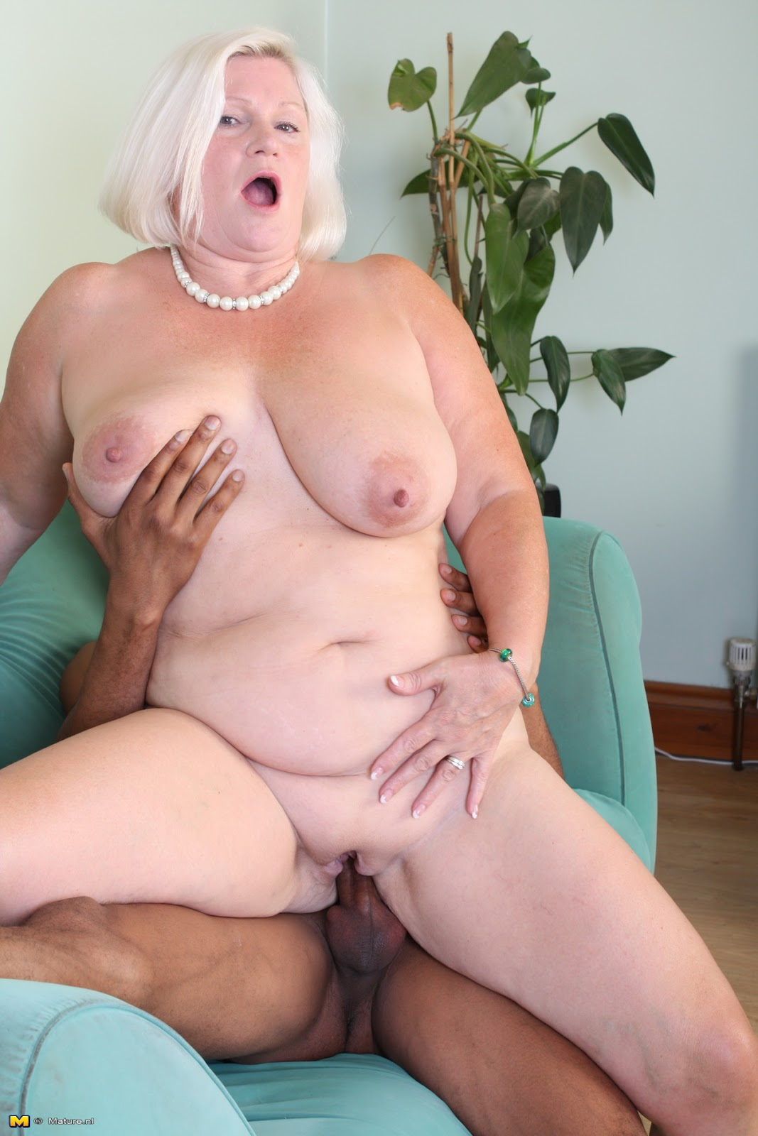Older Woman Sucking Big Dick