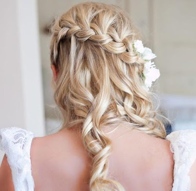 Half Up Half Down hairstyle for wedding