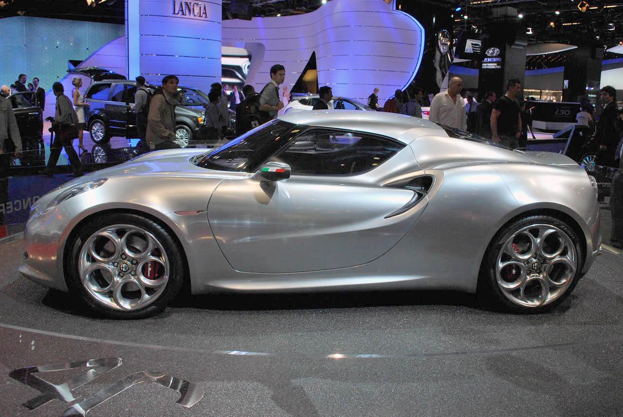 http://2.bp.blogspot.com/-sAhLsMShq9w/TthDmg6ITDI/AAAAAAAAAW8/STzA8xSJDas/s1600/Alfa-Romeo-4C-Concept-39-side-at-Frankfurt-2011.jpg