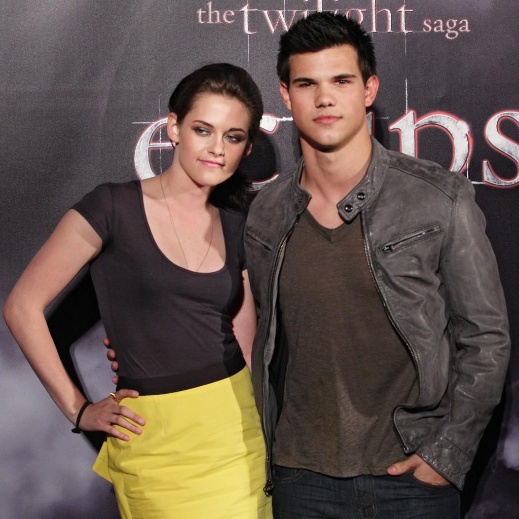 http://2.bp.blogspot.com/-sAkmo_zM6_Q/TvHFlF4uKDI/AAAAAAAAH0Q/KBJtORiv5Jk/s1600/Taylor+Lautner++21.jpg