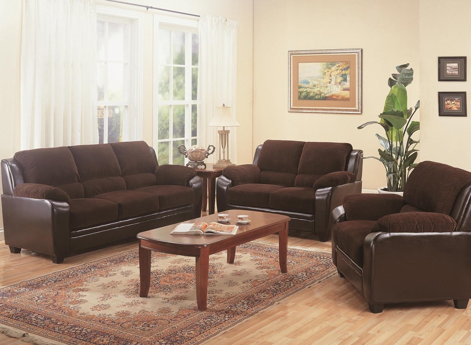 Muebles Moriano: Sofá con los pies de madera