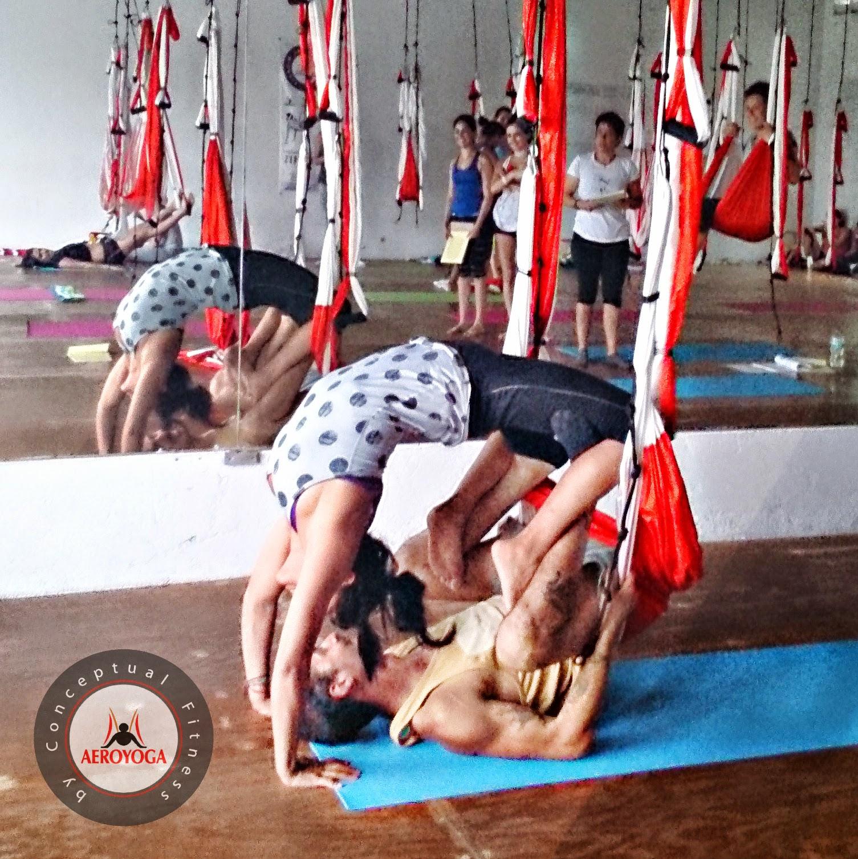 YOGA AEREO MEXICO AERO YOGA, Yoga Aéreo Acrobático, Profesores en Acción! ((ACARAVAT VAIHAYASA YOGA), EN ESTE ARTICULO: Posturas acrobáticas durante el curso de profesores de AeroYoga® International, Semana Santa 2014. Certificación realizada en Cancún México Abril 2014.  WE #LOVE #FLYING!!  #CANCÚN, #MÉXICO   Próxima certificación, 8a Promoción Mexicana de Profesores de AeroYoga®, Distrito Federal. Julio 2014. info en aeroyoga@aeroyoga.info o por Whatsapp al +34 680 905 699      TODA LA INFO SOBRE LA CERTIFICACION EN MEXICO DF JULIO 2014 AQUI!   Mas detalles e informes en www.vaihayasa.mx  yogaaereo.com.mx www.aeroyoga.mx www.aeropilates.mx www.fitnessaereo.mx   Rafael Martínez Yoga can see this pic also on Instagram, Puedes ver esta foto también en nuestra página de Instagram