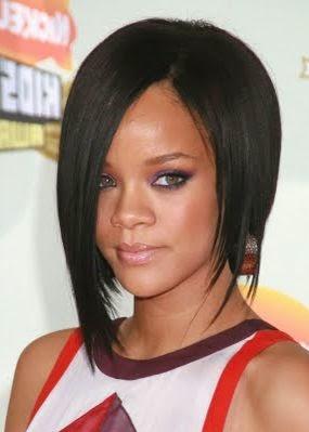 coupe cheveux long d'un cote court de l'autre