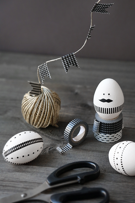 Huevos de pascua decorados con washi tape