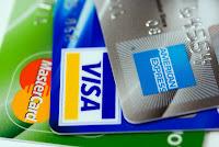 Hay mucho que creen saber sobre el crédito y la ignorancia puede llegar a ser muy costoso para sus bolsillos y su puntuación de crédito .