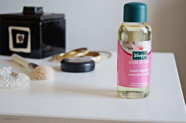 Kneipp olejek do ciała Kwiat migdała Jedwabna skóra, olejek do kąpieli, pielęgnujący