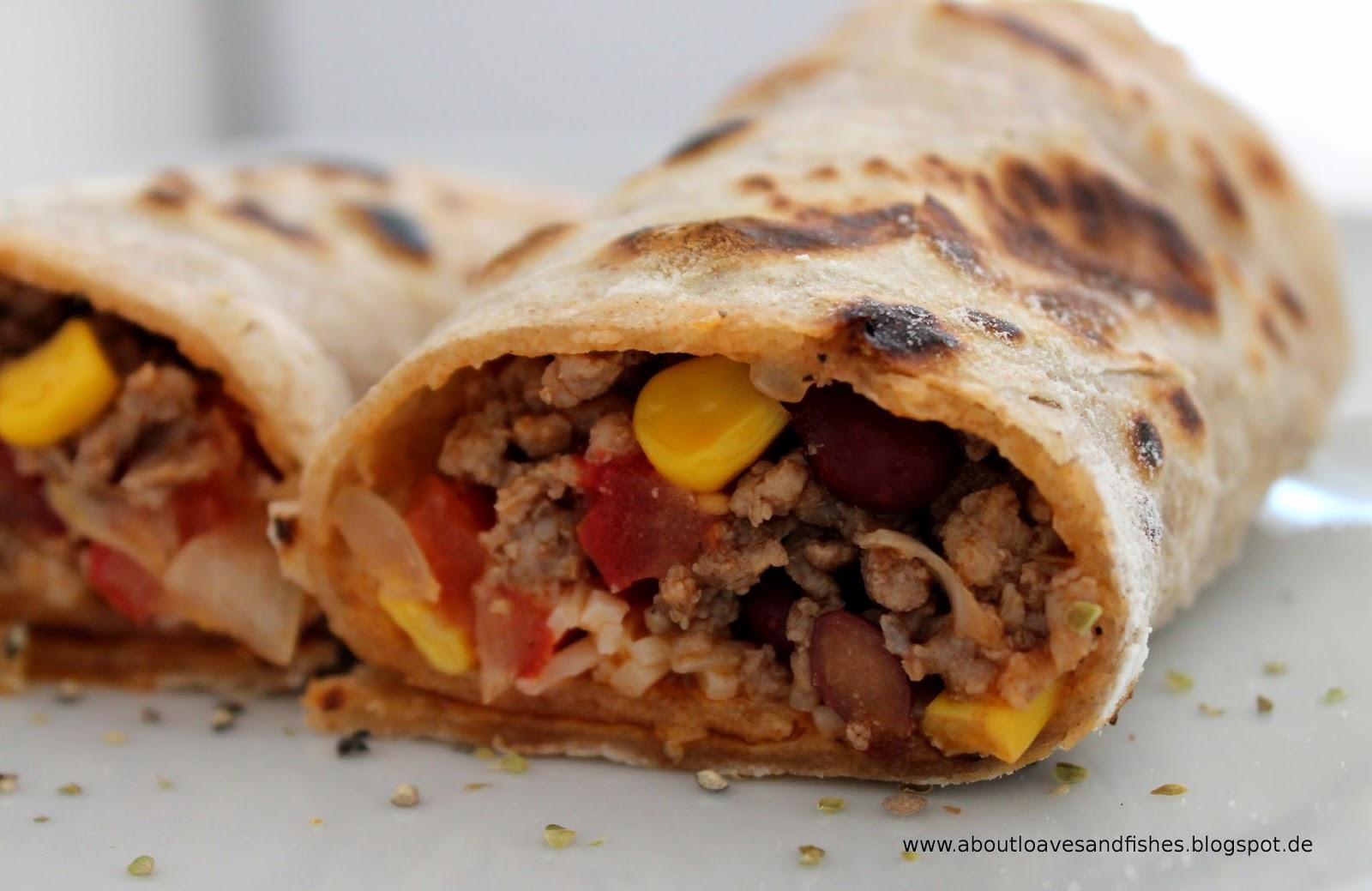 Mexikanische Wraps mit Füllung a la Chili con Carne