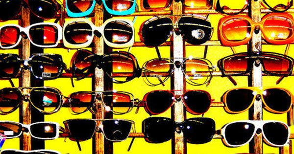 Tips on How to Choose Sunglasses Correctly | Specsavers