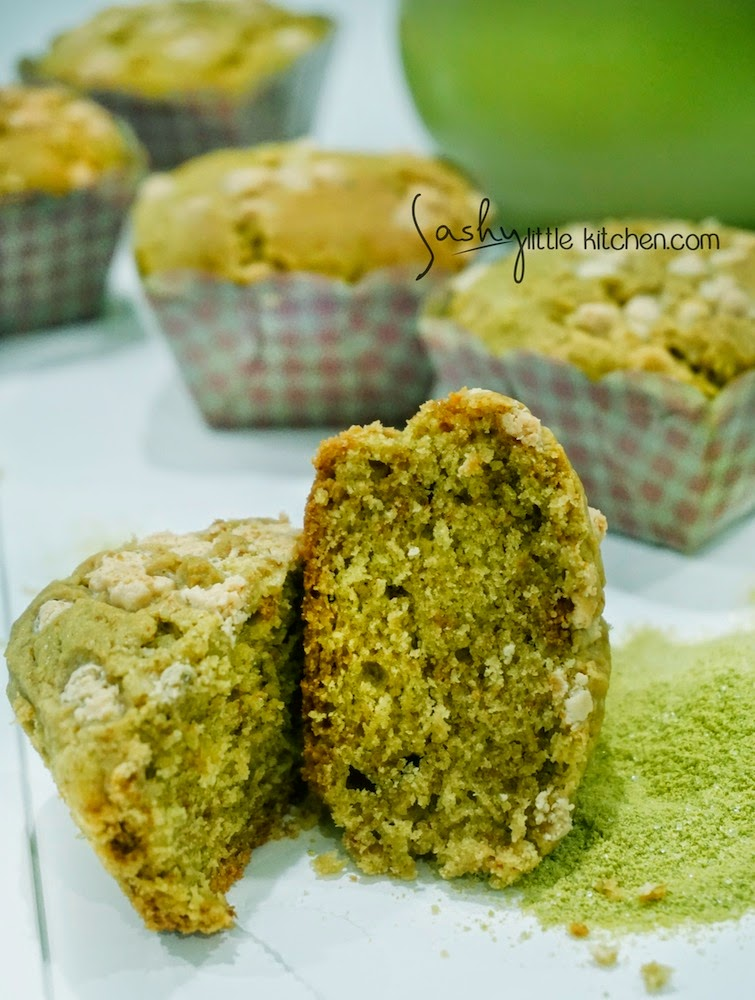 Green tea muffin with white chocolate