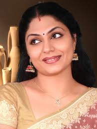 Asha-sarath-Kumkumapoo-serial-actress-hot-6