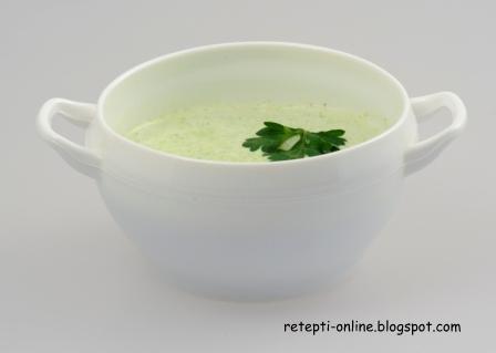Крем-суп из зеленого горошка и салата Айсберг