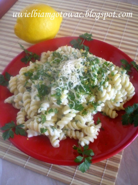 Fusilli (makaron) w sosie cytrynowym