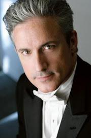 Maestro Steven Byess