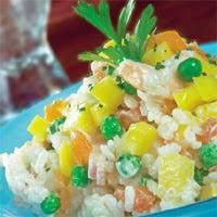Ensalada de arroz, aguacates y mango