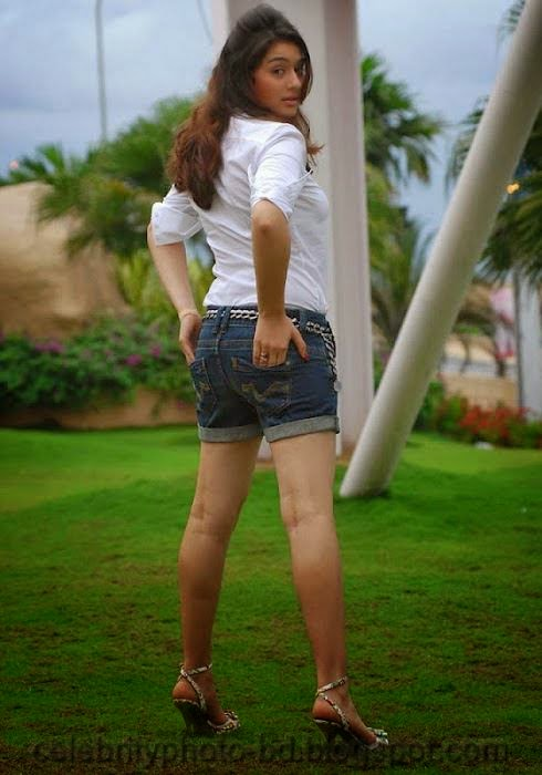 STUNNING+HANSIKA+MOTWANI+SEXY+BACKSIDE+AND+LEG+SHOW+PHOTO+COLLECTION005