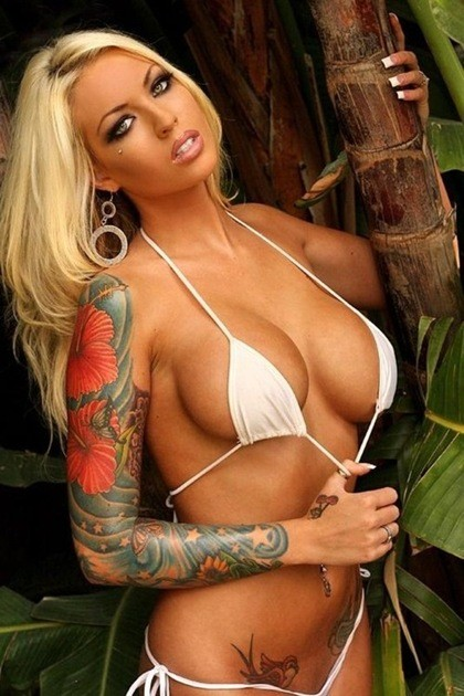 blonde tattoo models