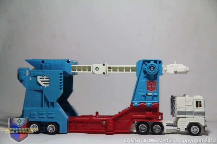 Transformers 4 ultra magnus truck