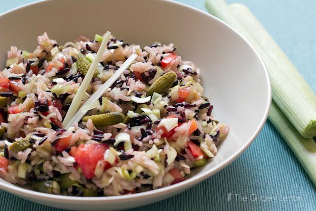 Тай оризова салата с праз и домати