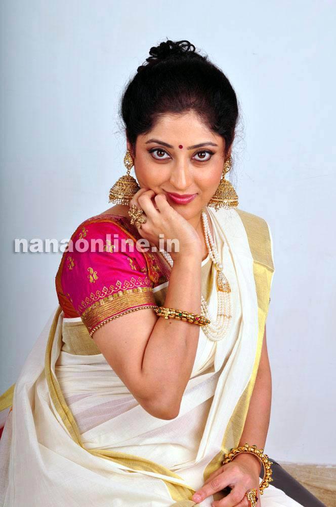 lakshmi gopalaswami latest hot photos in saree mallufun
