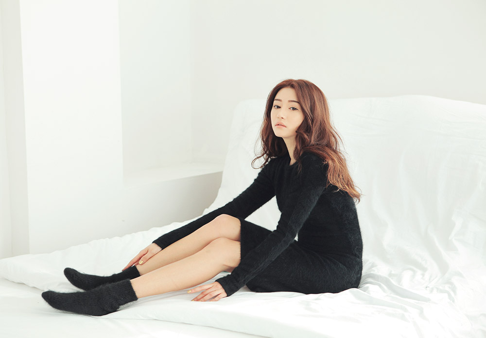 Park Sora Beautiful in Black Dress