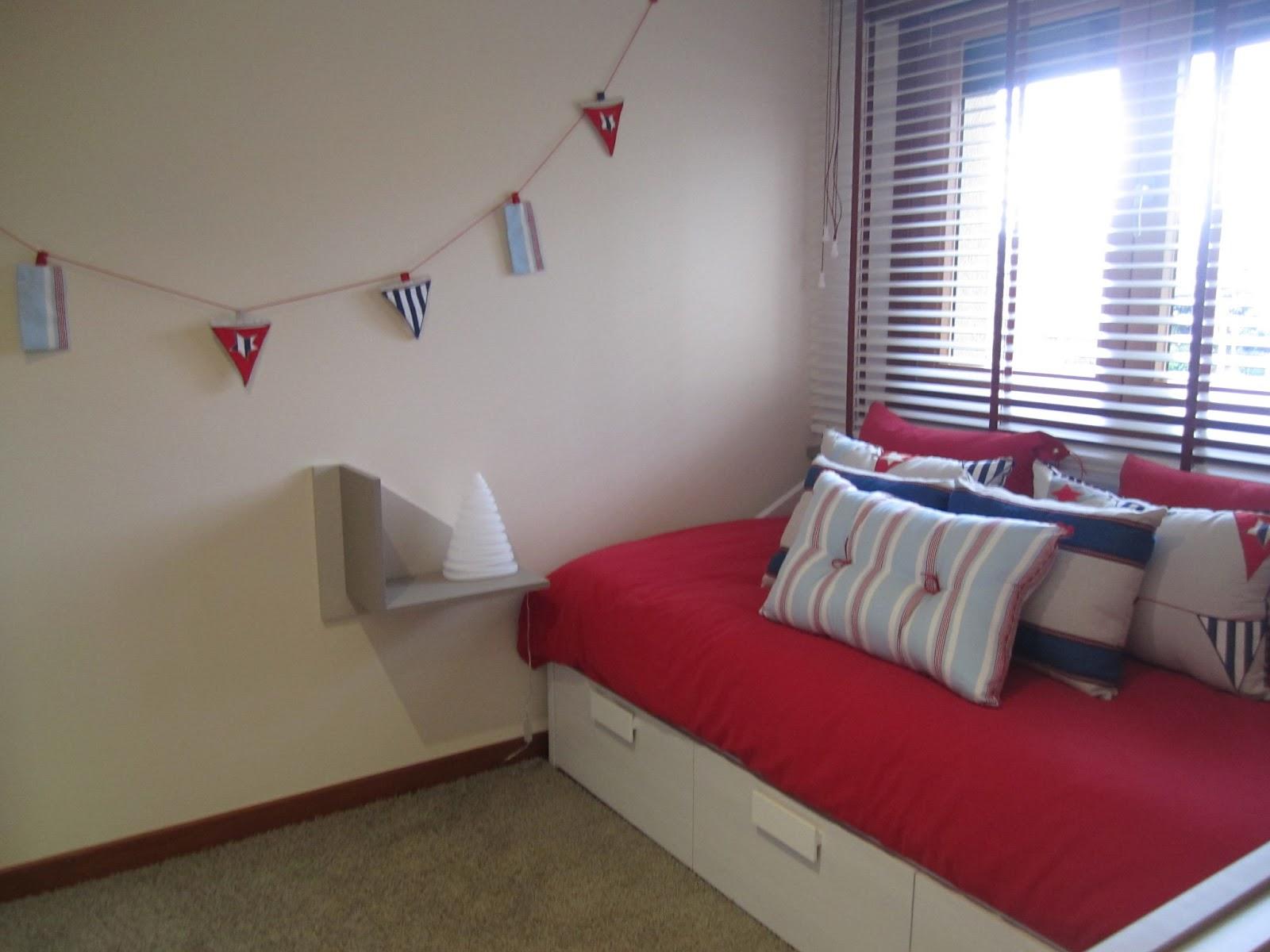 Catre decoraci n los colores alegran el dormitorio for Decoracion vigo