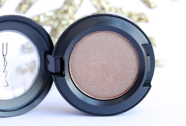 mac wood winked eye shadow
