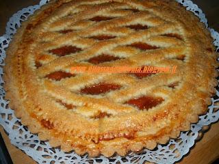 crostata con confettura di albicocche fatta in casa