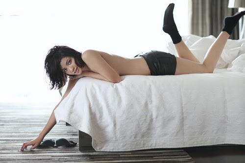 Foto Hot Agni Pratistha Dimajalah Elle Magazine