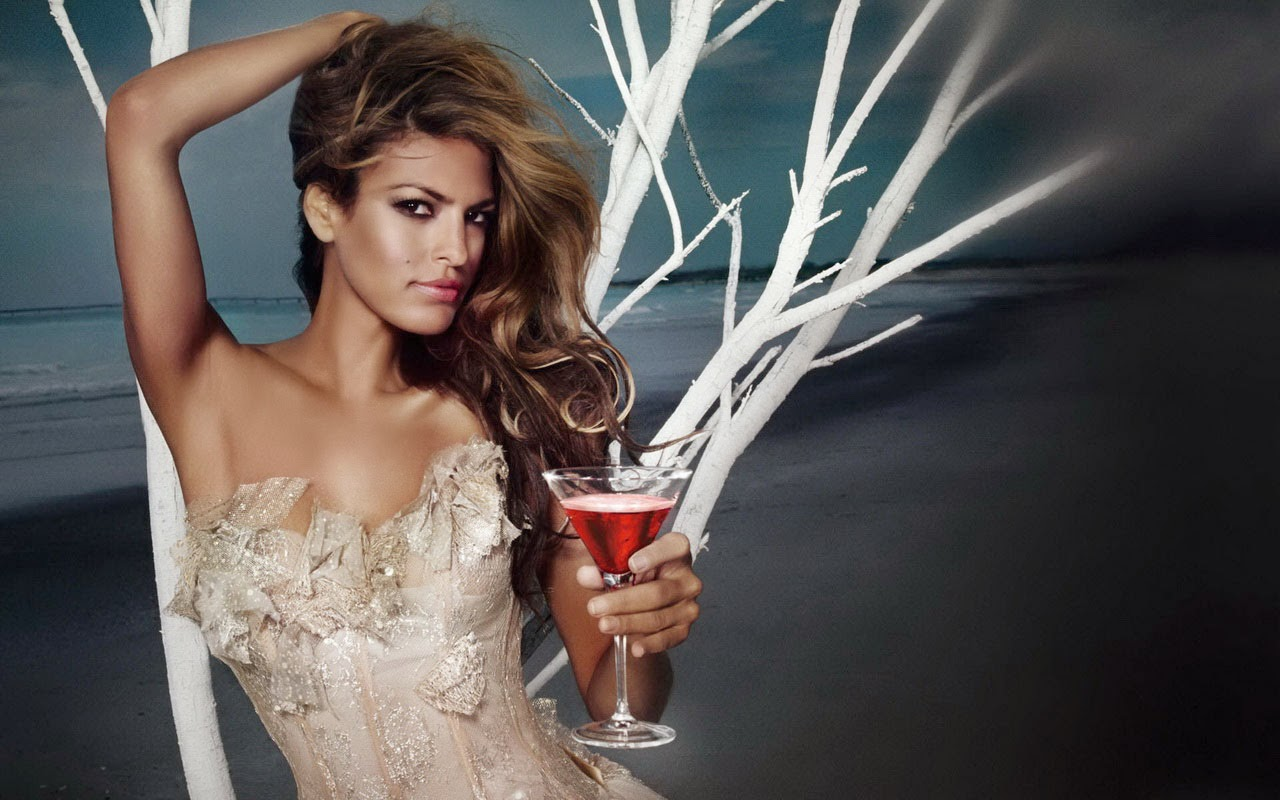 Eva mendes hot nice drink at night wallpaper