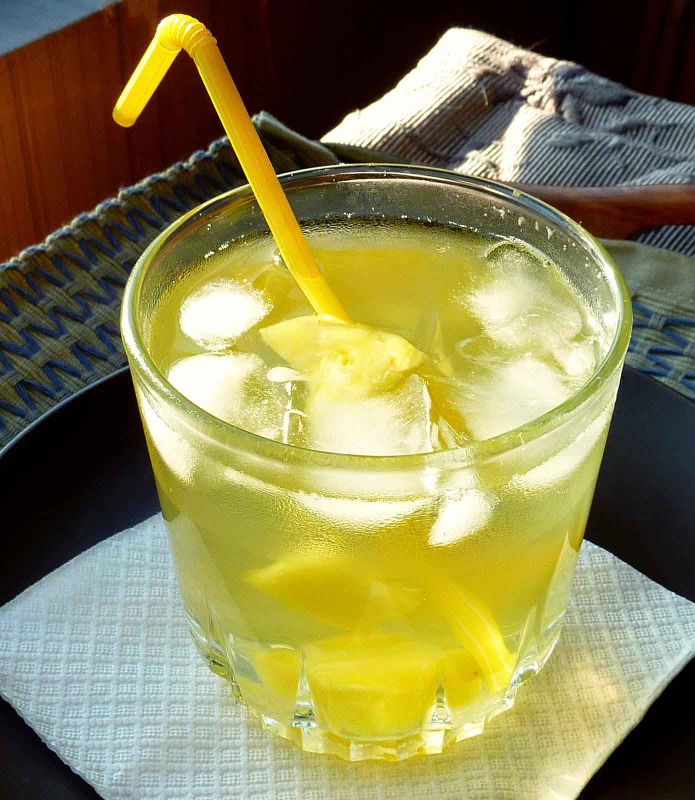 Receta fácil: Cómo hacer agua de Piña (Ananá)