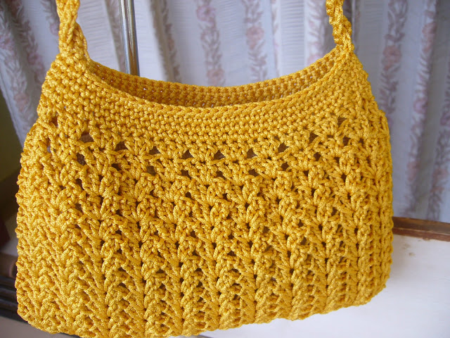 Crochet Bag Making : Crochetkari: Golden yellow crochet purse