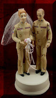 Special Camo Wedding Cakes Toppers Ideas