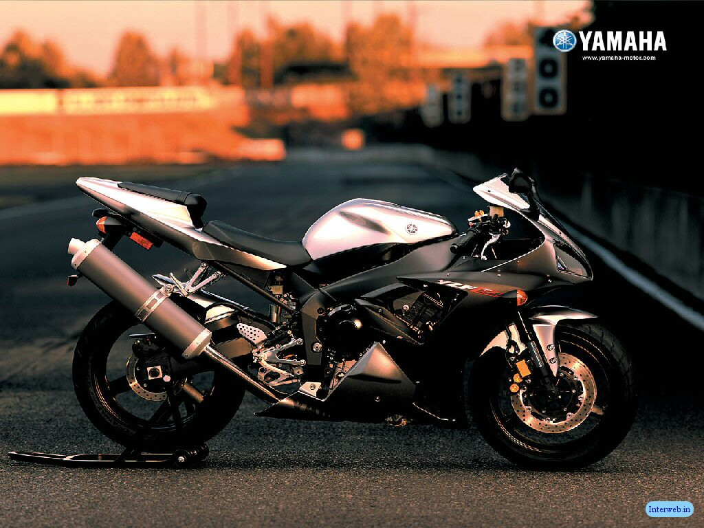 http://2.bp.blogspot.com/-sF78JMqvHn8/Tx77FatzthI/AAAAAAAAMhw/UEcVxd9R7aE/s1600/yamaha+sports+bikes+wallpapers-1.jpg